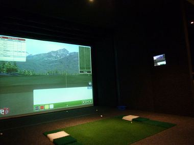 Indoor-Golf-Anlage (Lizenz: Creative Commons CC0)